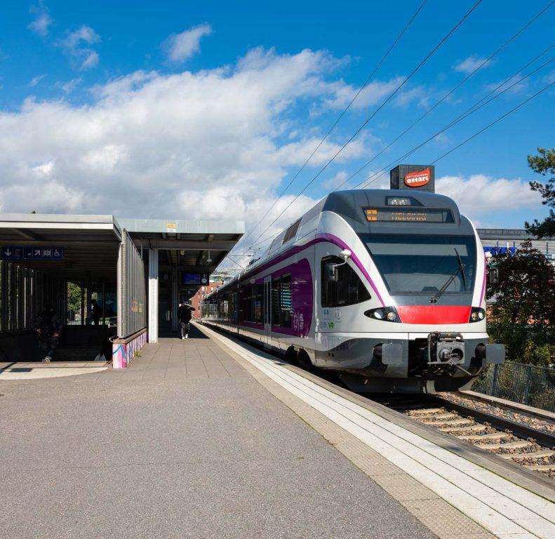 Martinlaakson juna-asema